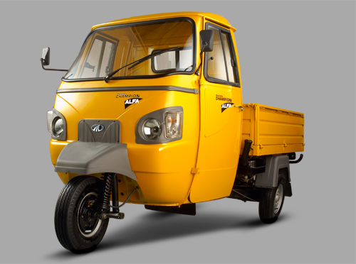 Mahindra Alfa Champion Yellow Color Front View